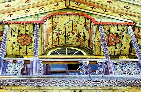 декор фасада деревянного дома